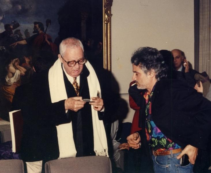 """Il Poeta Senatore, Emilio Argiroffi inaugura la mostra del Maestro G.B. Rotella presso la galleria """"Al Tarlo"""" di Villa San Giovanni"""